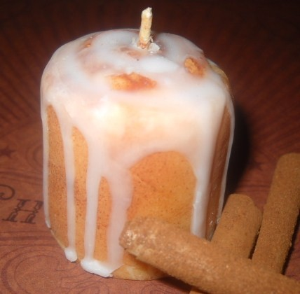 Cinnamon Bun Votives 4 Pack made with all natural soy wax